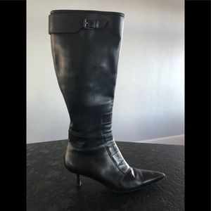 GUCCI Black Leather Tall Boots with Stitch Detail